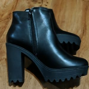 Size 8 Soda boots